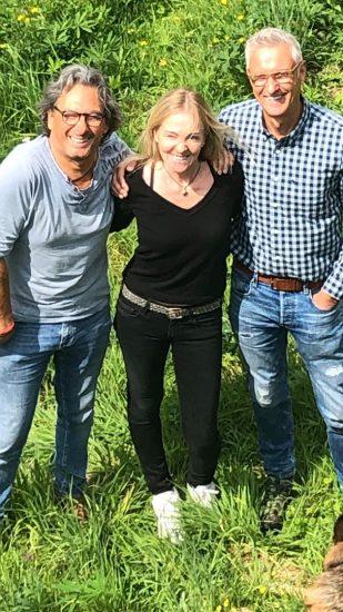 KUNST TRIFFT GARTEN im Garten Malermeister Dietmar Ahle, mit Künstler Herman und Tina Straub